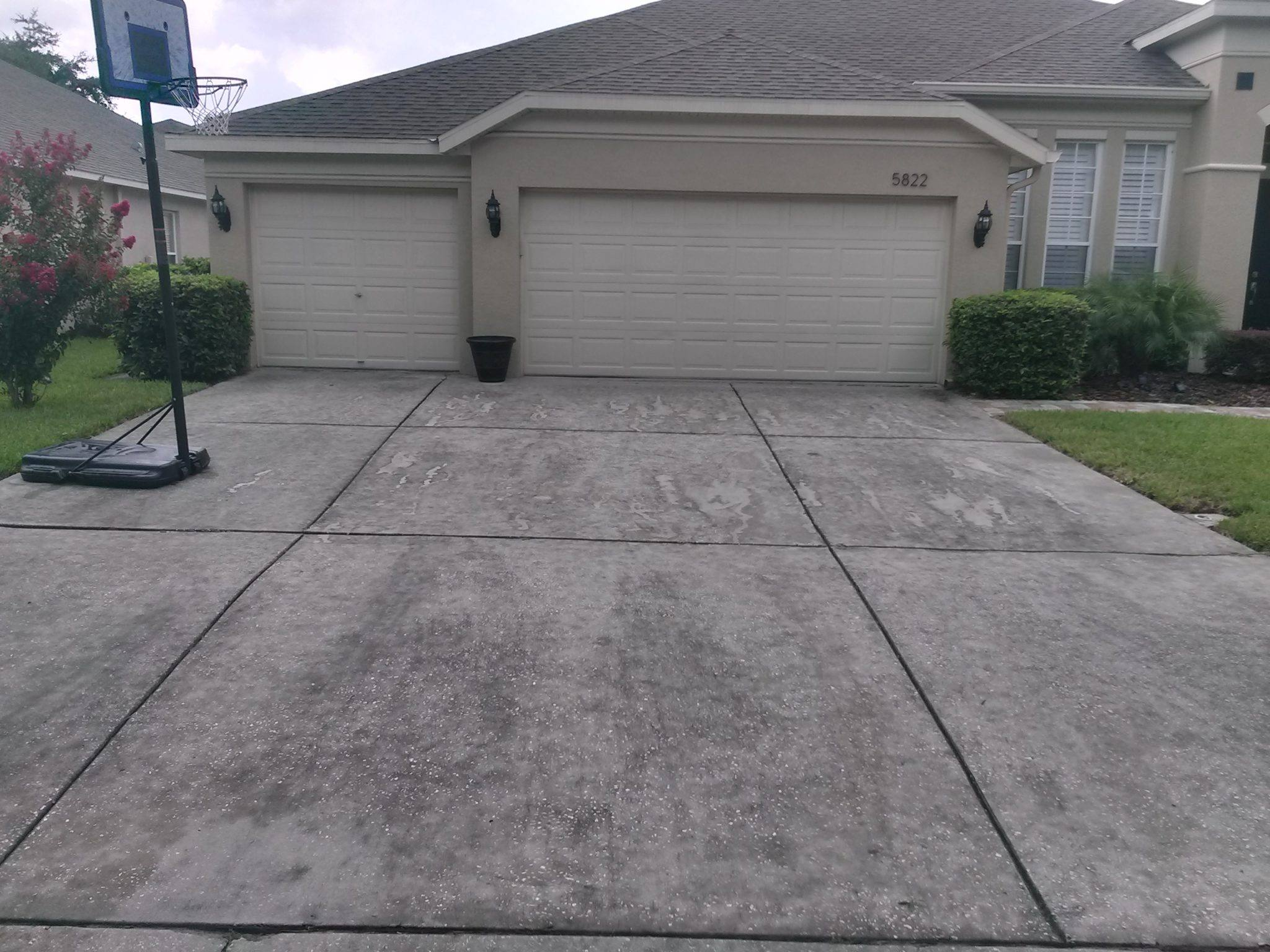 Pressure washing westchase for Pressure wash concrete patio