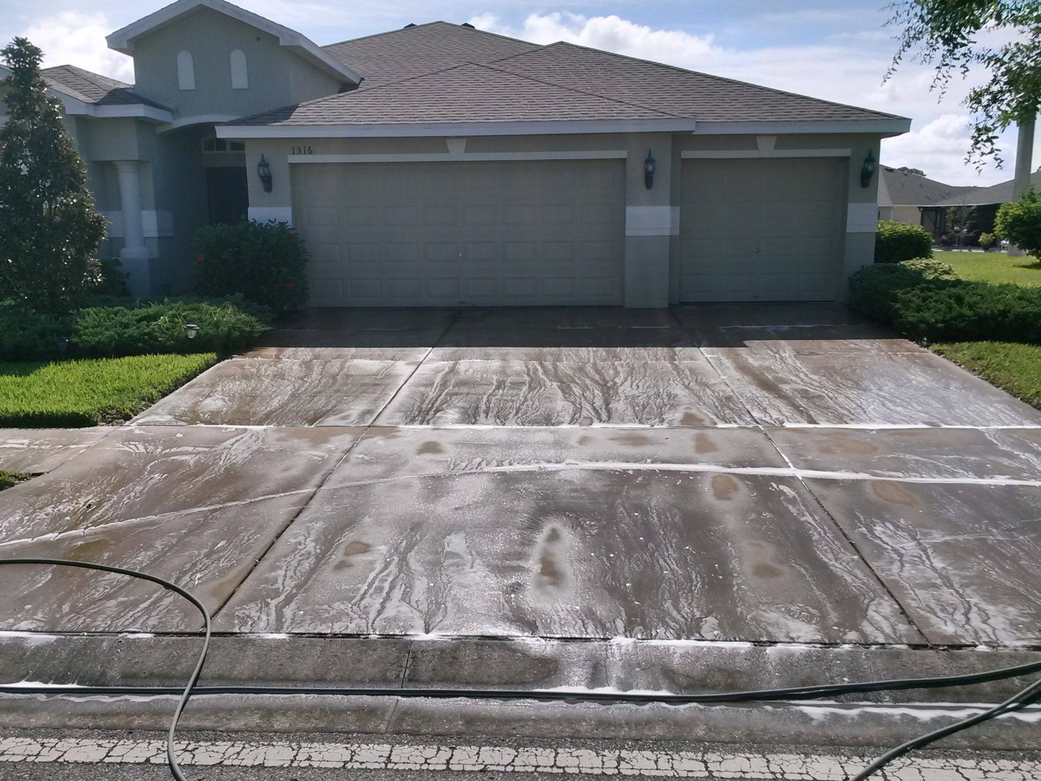 Pressure washing new port richey for Driveway pressure washer