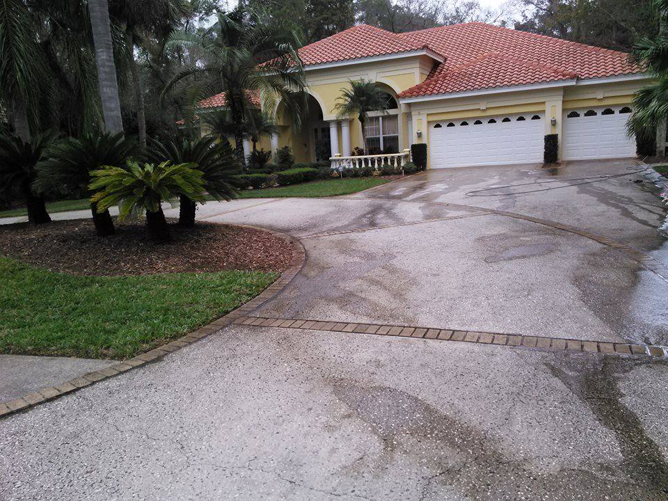 Pressure washing in oldsmar fl 34677 for Best way to clean driveway