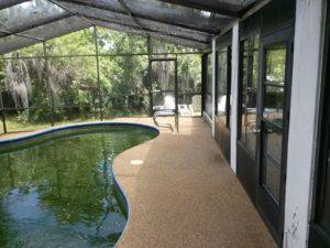 pool deck in tarpon springs all cleaned up