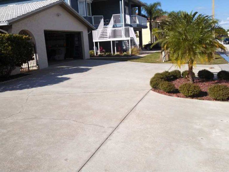 Pressure washing palm harbor driveways plus exterior for Best way to clean driveway