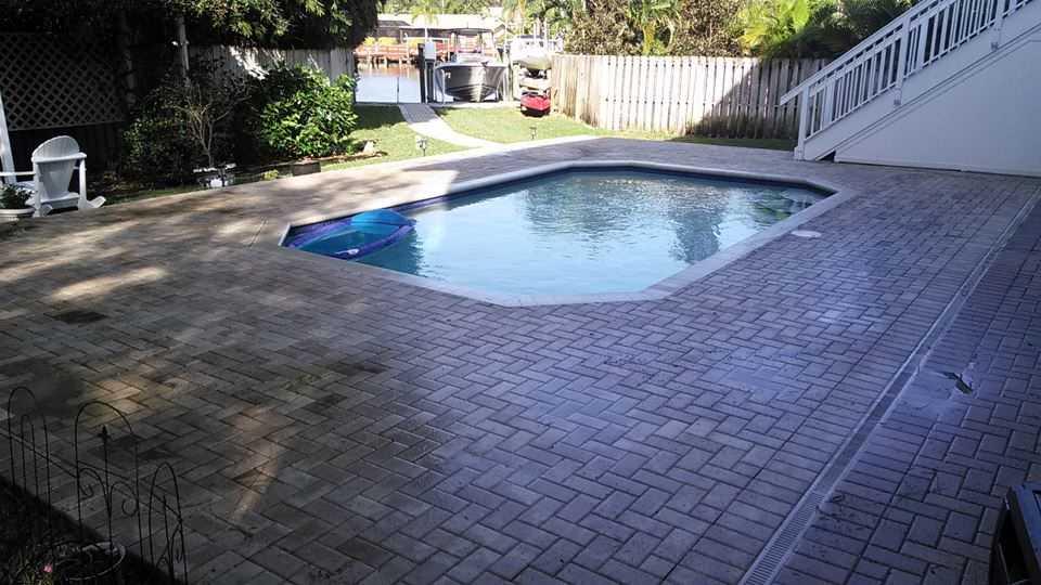 Pressure washing palm harbor driveways plus exterior for Pressure clean pools